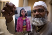 Morilca male Zainab obsodili na štiri dosmrtne zaporne kazni