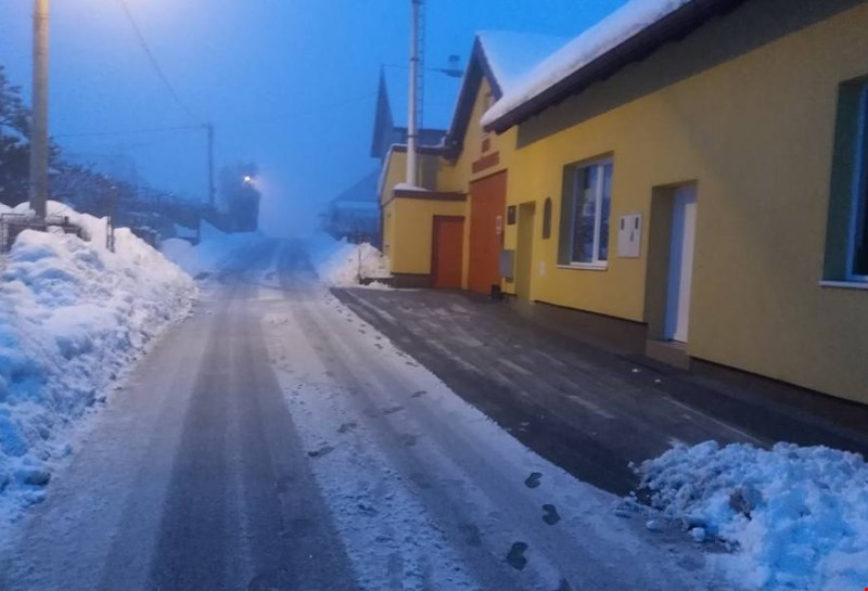 Na Hrvaškem slabo vreme ovira promet