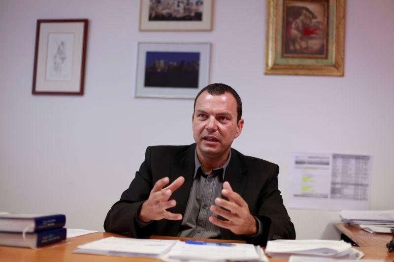 Na čelu specializiranih tožilcev je Harija Furlana začasno zamenjala tožilka Darja Šlibar