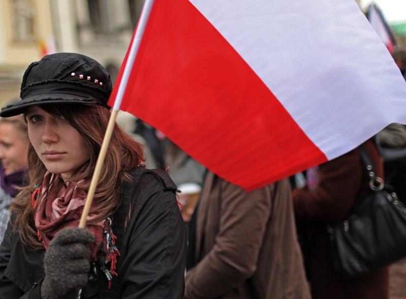 Varšava izseljence poziva, naj postanejo »špiclji«