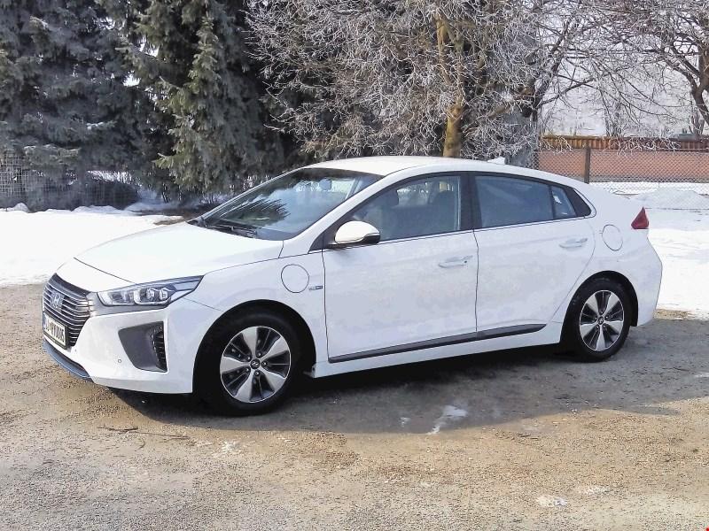 Hyundai ioniq plug-in: tretja različica zdaj naprodaj tudi pri nas