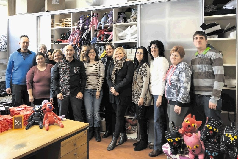 Zlata nit 2017: Finalista med malimi podjetji sta še Med in mleko ter Zaposlitveni center Avantus