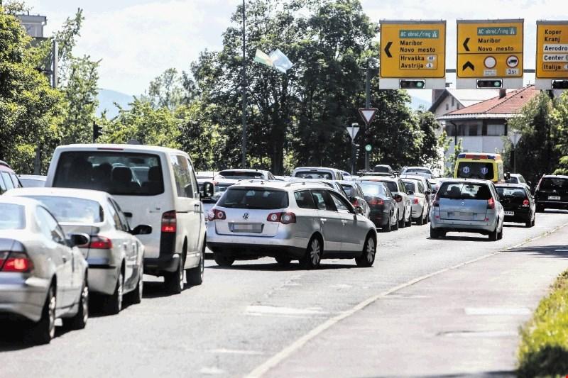 Ministrstvo za boljši nadzor nad delom voznikov kombijev