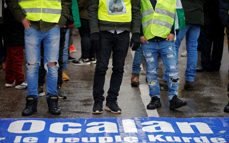 Tisoči Kurdov v Strasbourgu protestirali za izpustitev Öcalana
