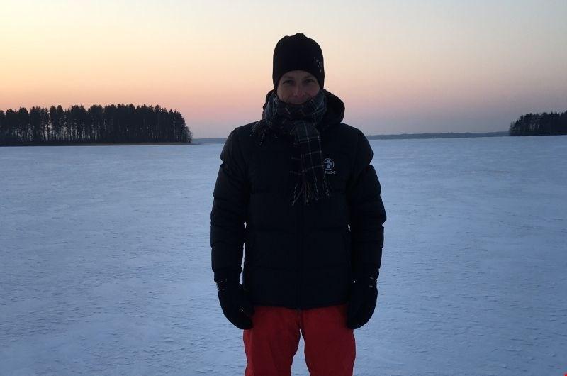 Robert Mavsar, strokovnjak za gozdove, ki živi na Finskem: v službo pridejo na smučeh