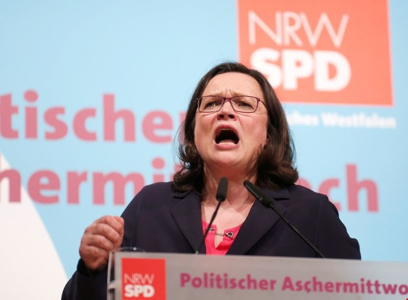Nemški socialdemokrati začenjajo glasovanje o veliki koaliciji