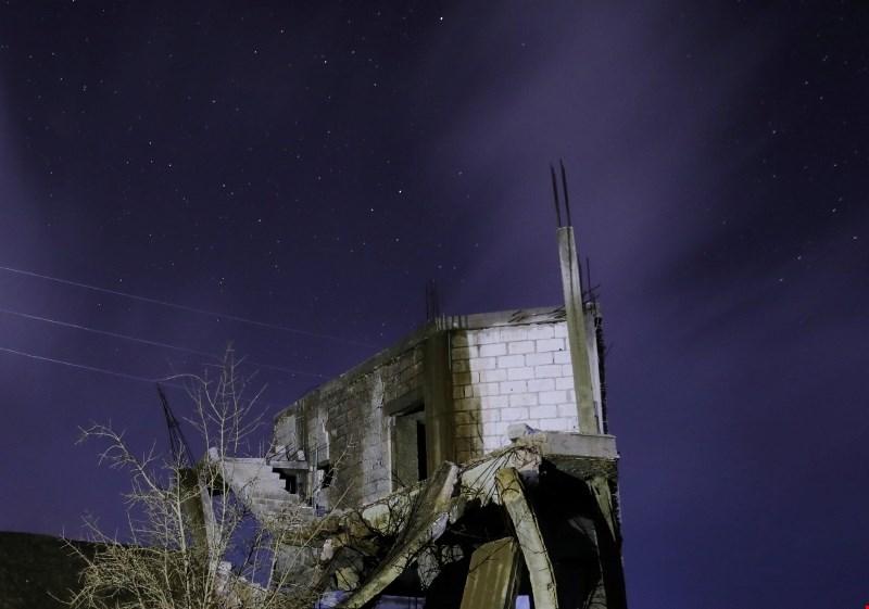 V obstreljevanju v bližini Damaska najmanj 44 mrtvih civilistov