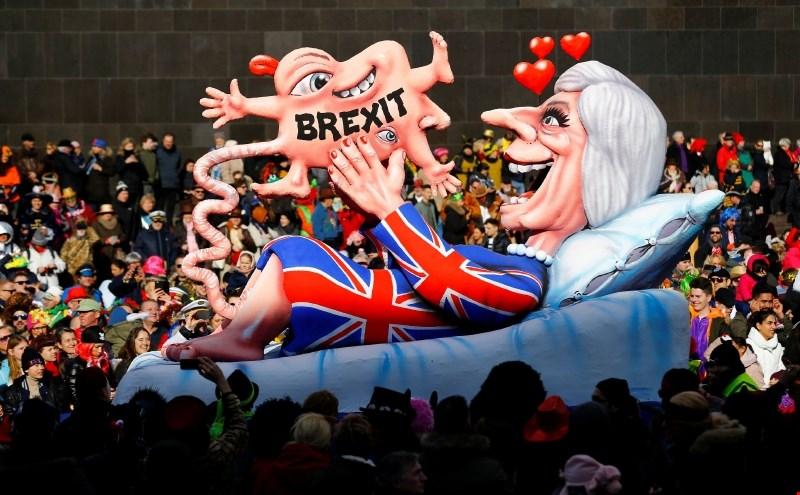 Britanska stranka sprožila kampanjo za zaustavitev brexita